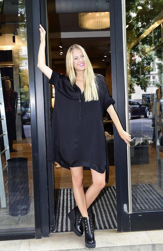 Natálie Kotková odletěla na tři týdny do Španělska.