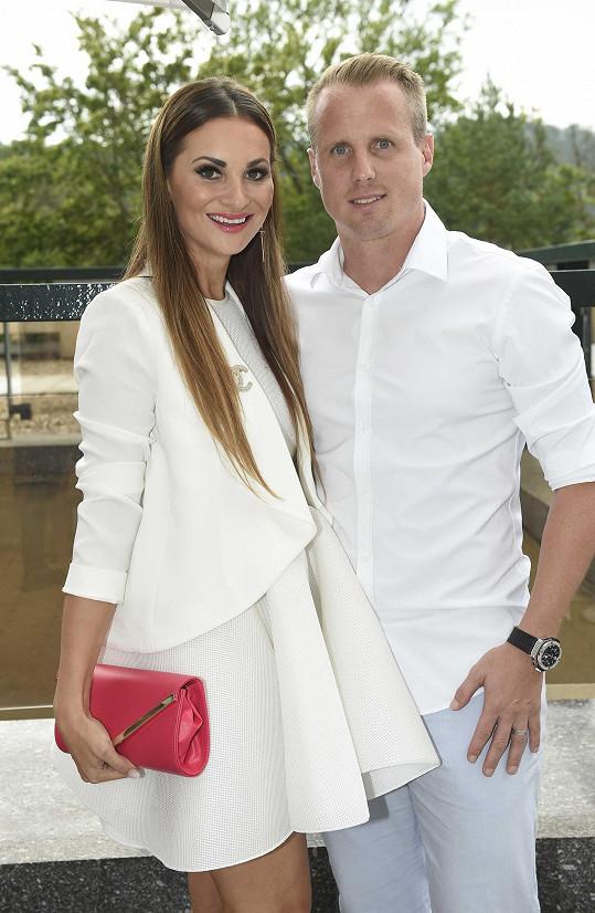 Lenka a David Limberští vyrazili do Karlových Varů na módní přehlídku Zuzany Lešák Černé.