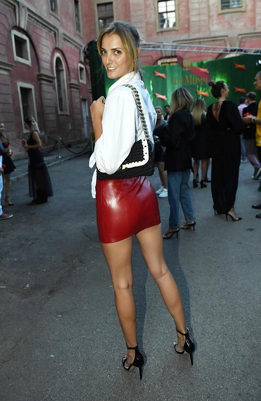 Denisa oblékla na zahájení týdne módy model značky Farah X Michaela K.
