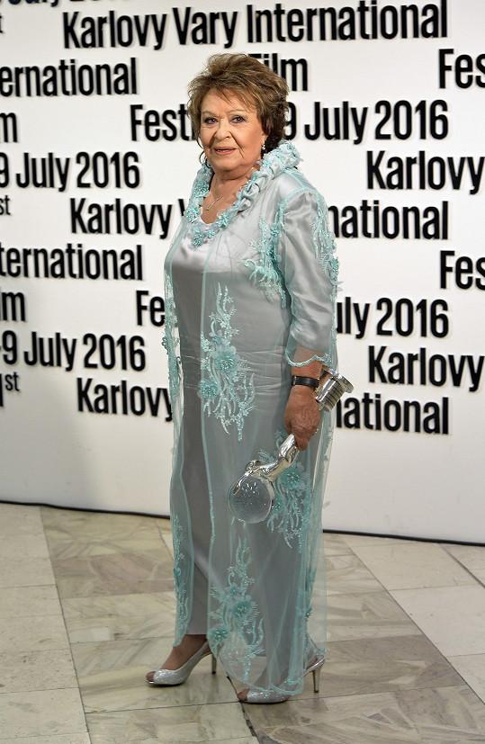 Jiřina Bohdalové v šatech Osmanyho Laffity