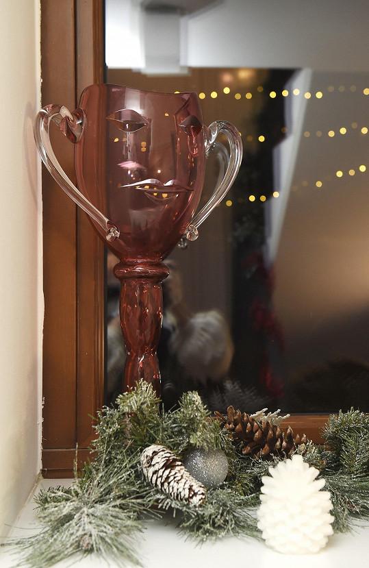 Vánoční výzdoba nesmí chybět ani u vystavené ceny Thálie.