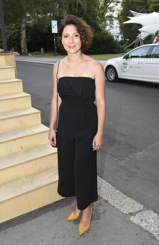 Martha Issová na karlovarském filmovém festivalu