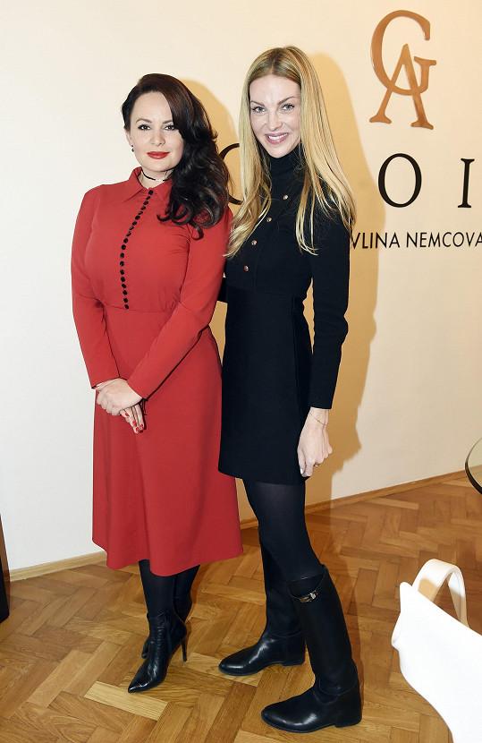 Jitka Čvančarová na návštěvě v showroomu kamarádky Pavlíny Němcové