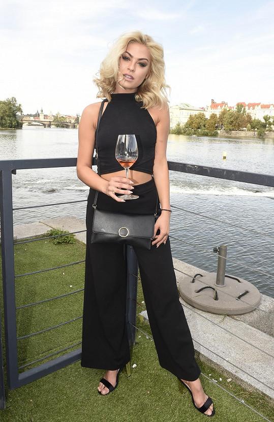Kristýna vyrazila na odpolední párty k vyhlášení modelingové soutěže Miss a Mr. Look Bella.