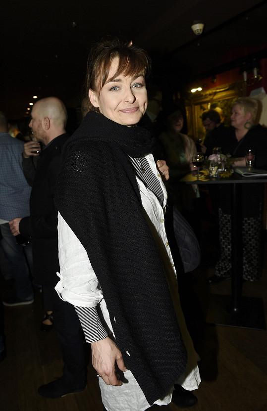 Andrea Černá na večírku Ordinace, kde hrála zdravotní sestřičku Helenu.