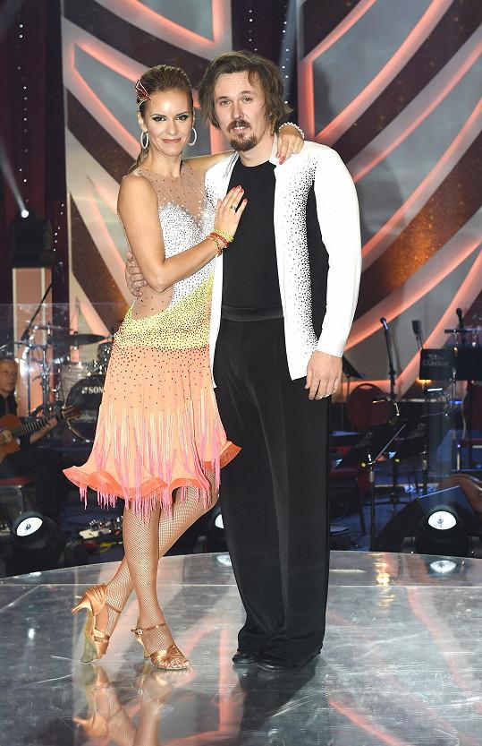 Ondřej Bank měl zase původně tančit s tanečnicí Kamilou Tománkovou.