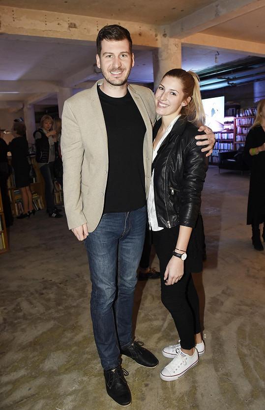 Petr Říbal a finalistka České Miss 2016 se poprvé představili ve společnosti jako pár v roce 2018.