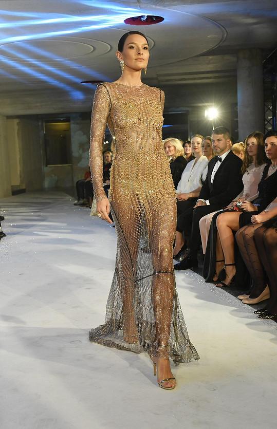 Nikol Švantnerová oblékla odvážné šaty za půl miliónu korun.