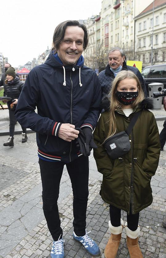 Michal s Kačenkou na Václavském náměstí