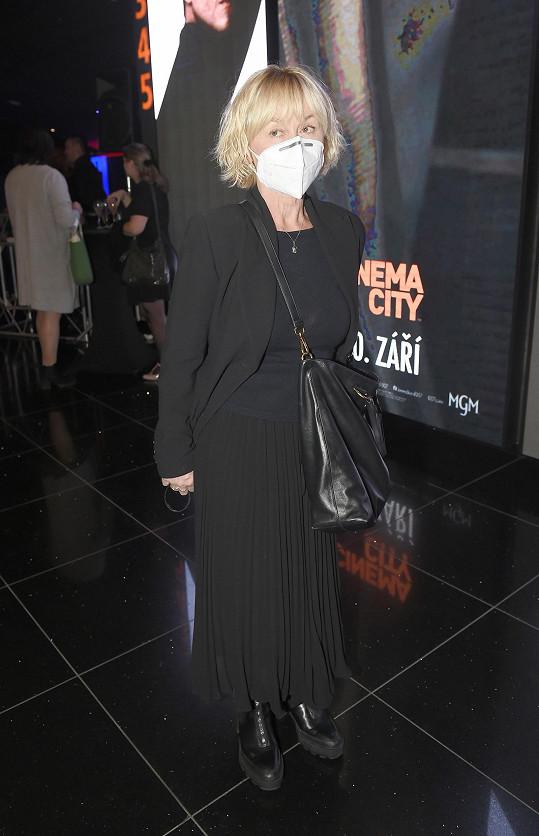 Dana Batulková v černé