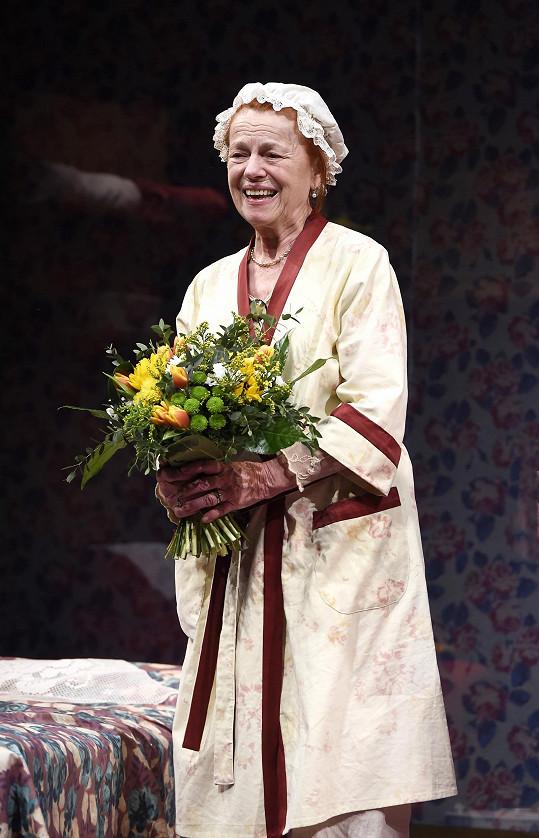 Iva Janžurová v divadelní hře Báječná neděle v parku Creve Coeur