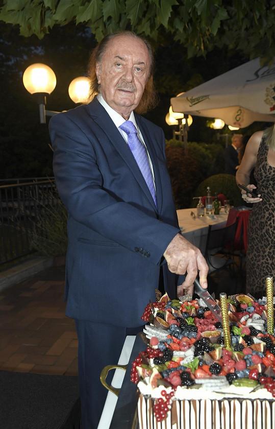 František Janeček slavil 76. narozeniny a 25 let své umělecké agentury GoJa.