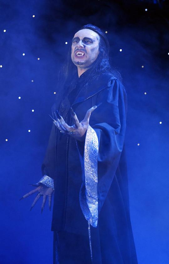 Marian hraje v Plesu upírů titulní roli.