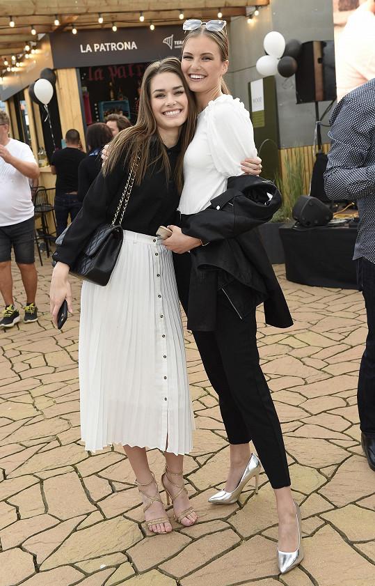 S vítězkou Česko-Slovenské Miss Klárou Vavruškovou na párty