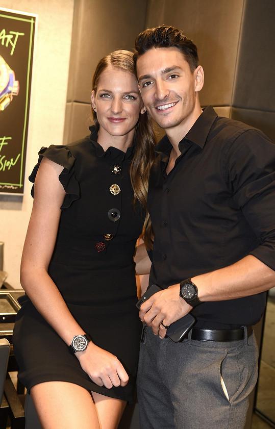 Karolína je s Michalem zasnoubená.