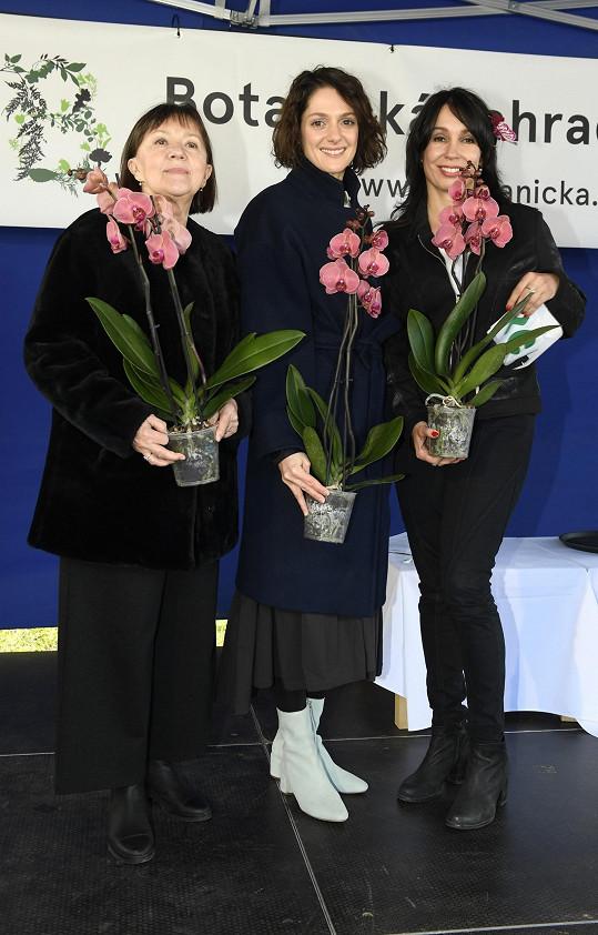 Kmotrami výstavy orchidejí se Lenka stala společně s kolegyní Nelou Boudovou a neteří Klárou Issovou.