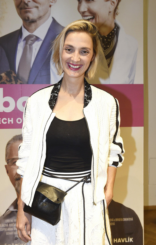 Bára Poláková hraje jednu z hlavních rolí ve filmu Bábovky.