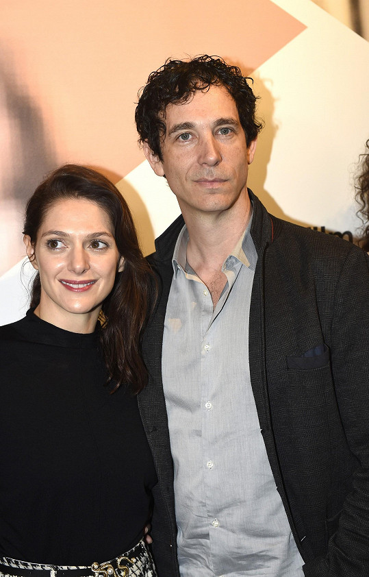 Pochvalovala si spolupráci s kanadským hercem Jonasem Chernickem.