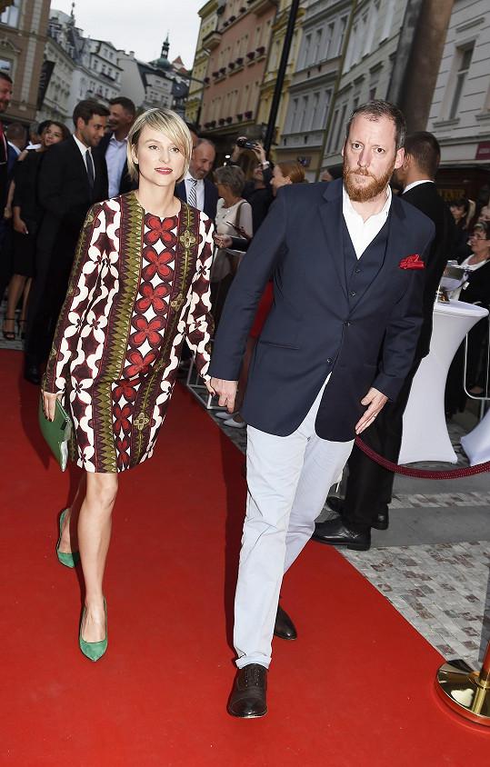 Výkonný ředitel festivalu Kryštof Mucha s manželkou