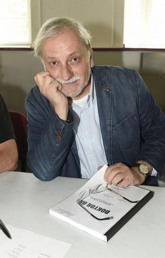 Režisér připravoval Doktora Oxe jako film.