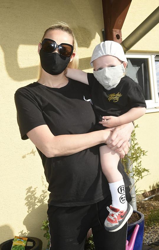 Martina Gavriely a její syn Lee