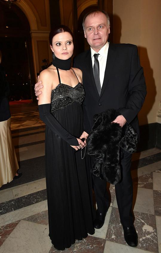 Igor Bareš je šťastný po boku herečky Antonie Talackové.