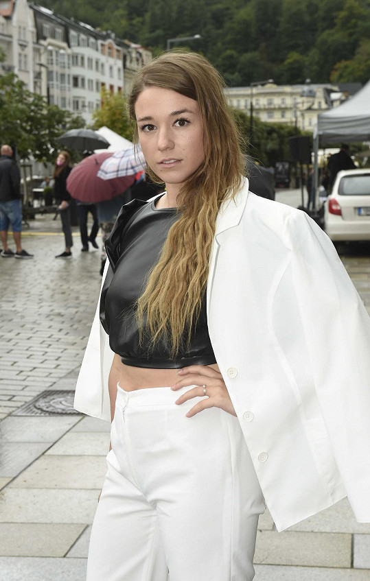 Malou roli v Žižkovi má i herečka Aneta Kernová, která na festival též dorazila.