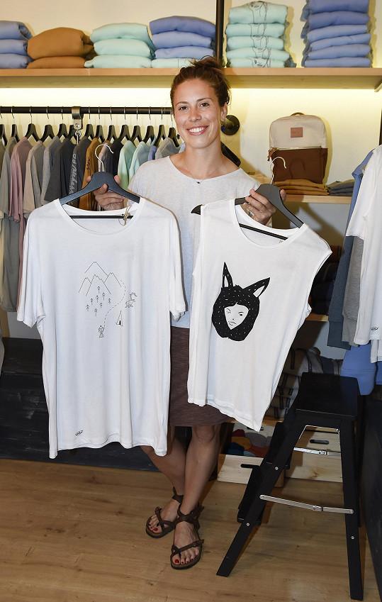 Eva Samková navrhla limitovanou kolekci triček.