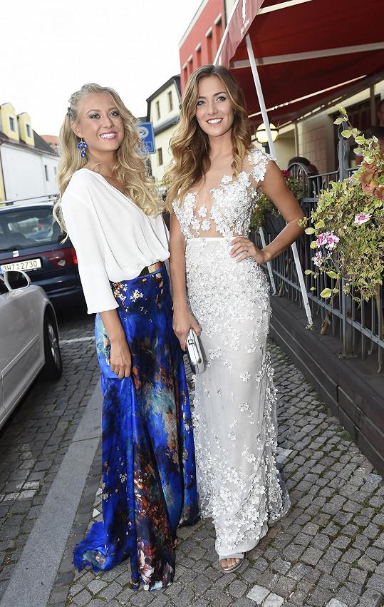 Na Muže roku se vypravili s Českou Miss Andreou Bezděkovou obě v šatech z ateliéru Poner.