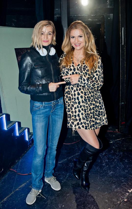 S kolegyní Yvettou Blanarovičovou.