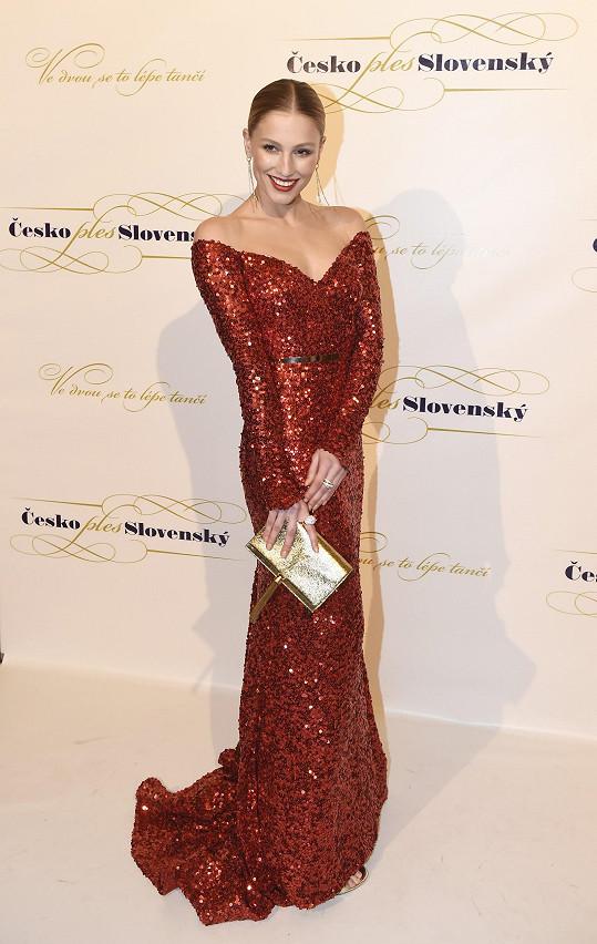 Karolína Mališová oblékla také model od slovenské návrhářky Janky Pištějové.