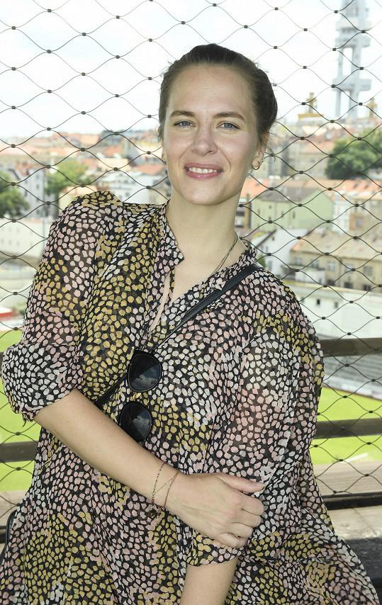 Petra Nesvačilová se objeví v novém seriálu Osada.