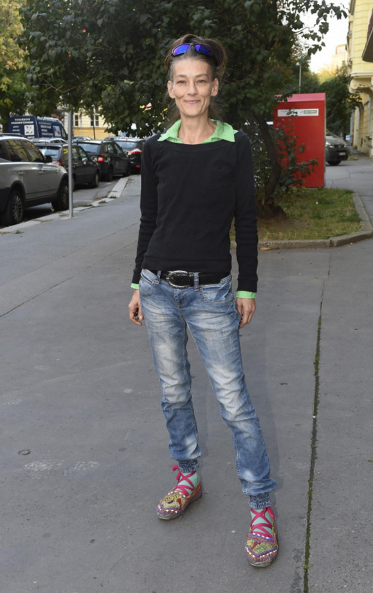 Monika Kvasničková je hubená jako lunt.
