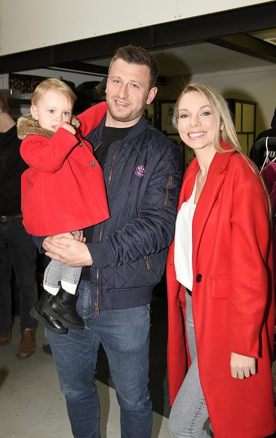 S přítelkyní Soňou má dceru Nelu.
