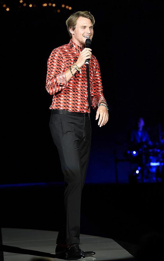 Vojta zahájil galavečer zasvěcený kráse písní You Are So Beautiful.