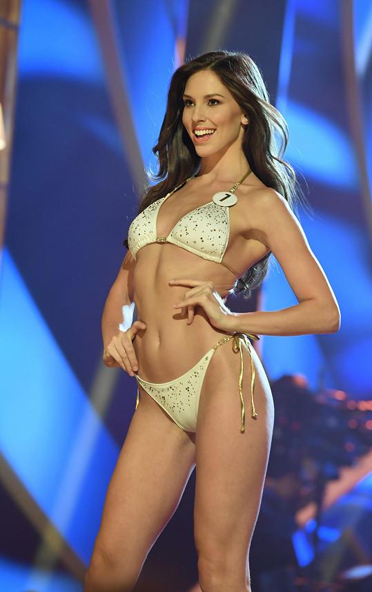 Laura ve společném finále České Miss a Miss Universe Slovenské republiky.
