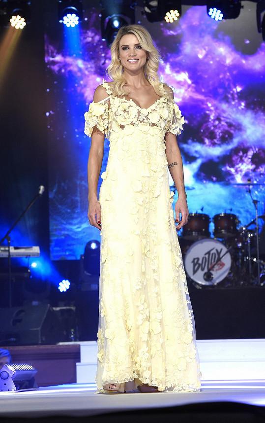 Klára Medková už z modelingu také vypadla.