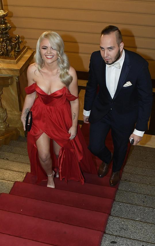 Dorazila i zpěvačka Veronika Stýblová a manželem. Píseň, kterou nazpívala s kapelou Verona, byla také určena pro Vendulinu nadaci.