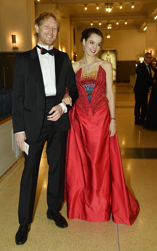 Partnerka miliardáře Karla Janečka Lilian v modelu Blanky Matragi