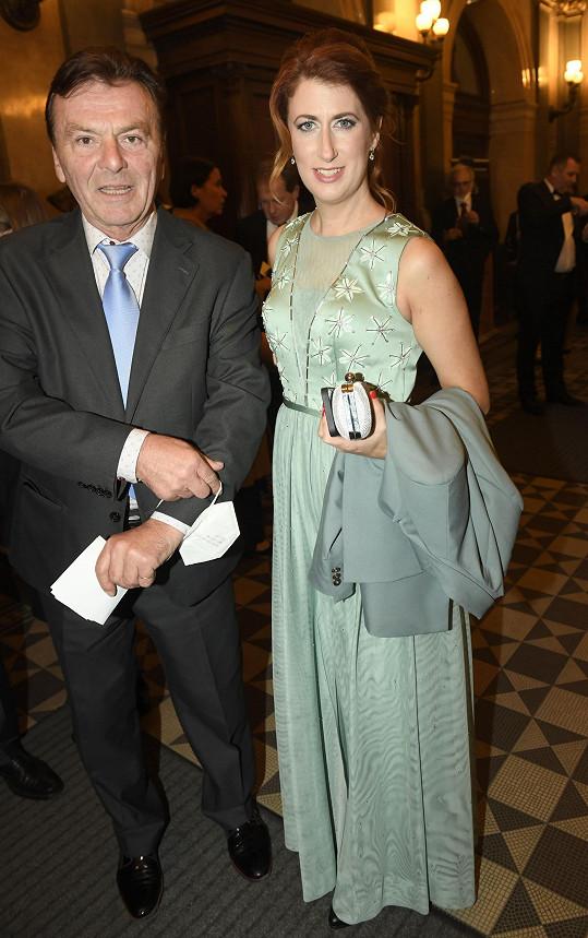 Mezi hosty byl i Pavel Trávníček s manželkou Monikou.
