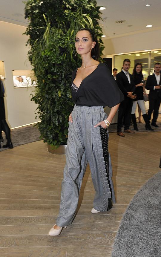 Eliška po dlouhé době předváděla na módní show.