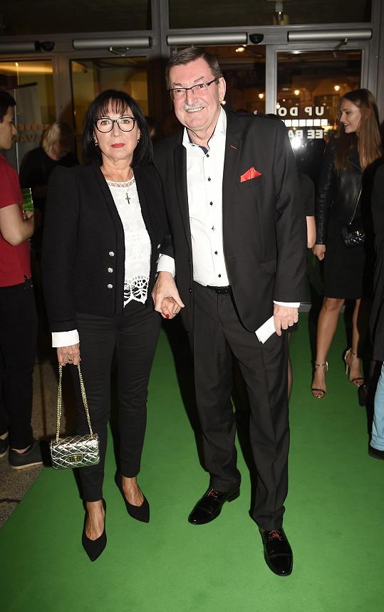 Skladatel Zdeněk Barták s manželkou