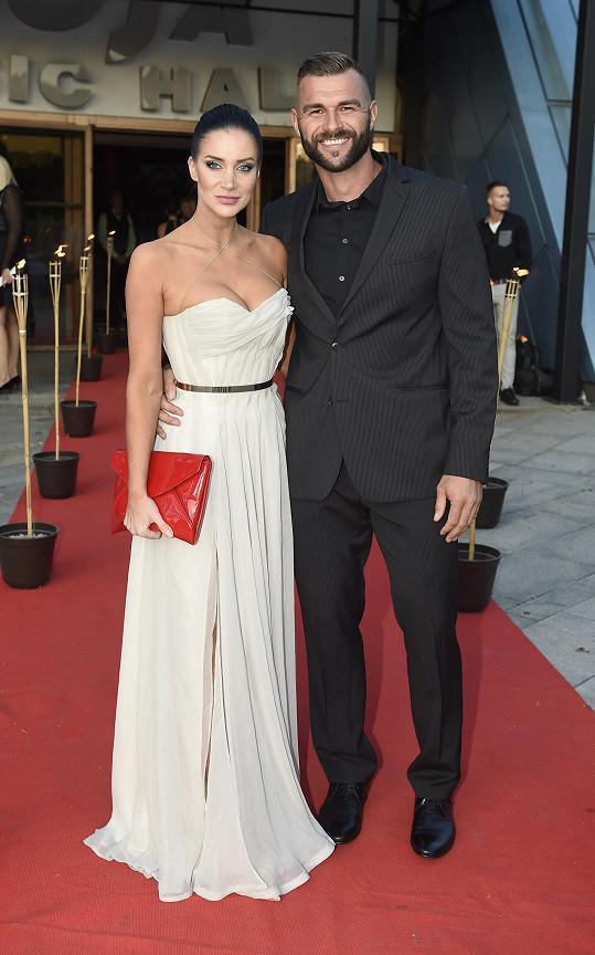 Pokrývač Petr Plaček s partnerkou Andreou Pomeje