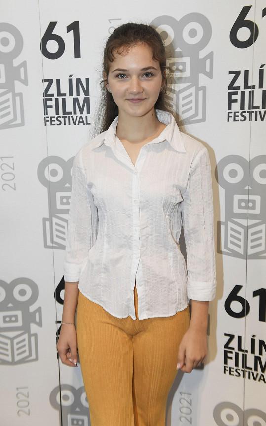 Veronika Divišová už z děvčátka vyrostla v dospělou slečnu.