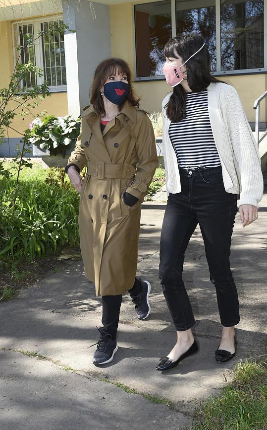 Michaela Dolinová se s dcerou Terezou vídá zhruba jednou týdně.