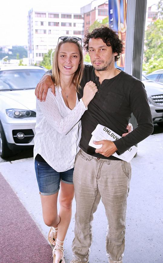 Bára Poláková a Pavel Liška čekají prvního společného potomka.