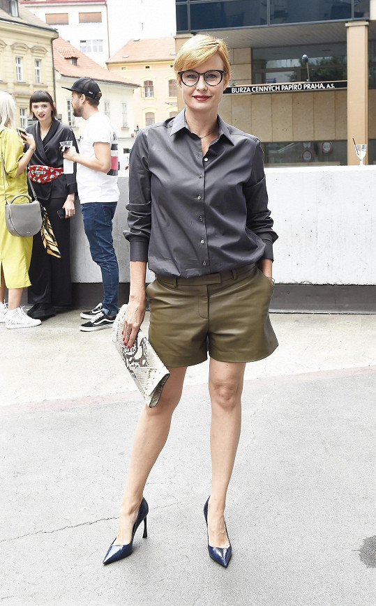 Díky svému neotřelému stylu se právem zařadila mezi české módní ikony.