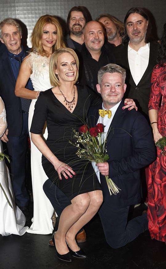 S Kristinou Kloubkovou moderoval 15. výročí Divadla Broadway.