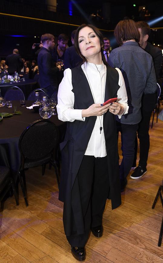 Anna K. má raději kalhotové variace.