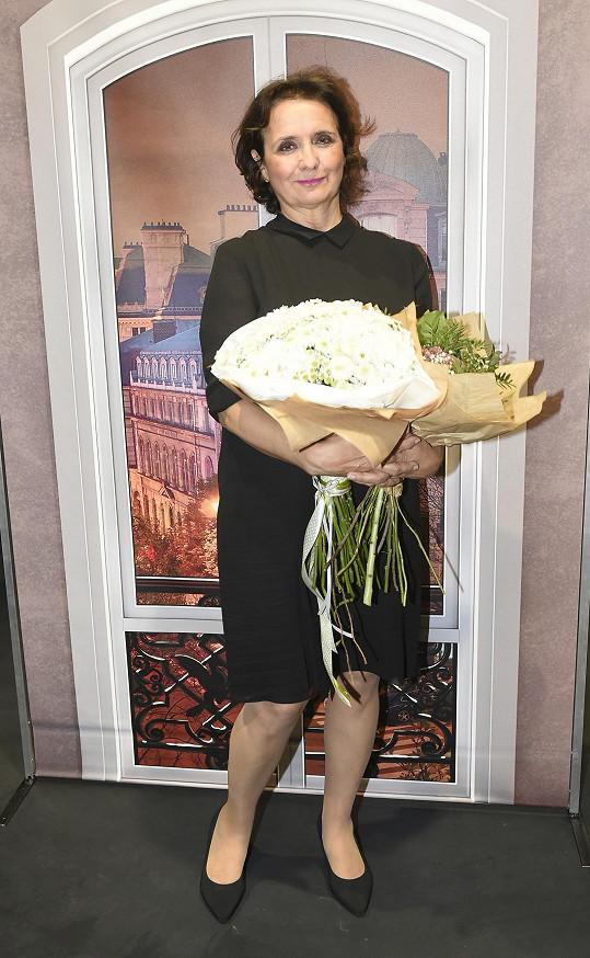 Veronika dostala krásné květiny.